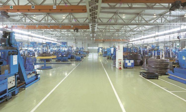 工場内部トリミング
